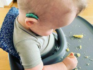 Gehoorapparaat bij een baby